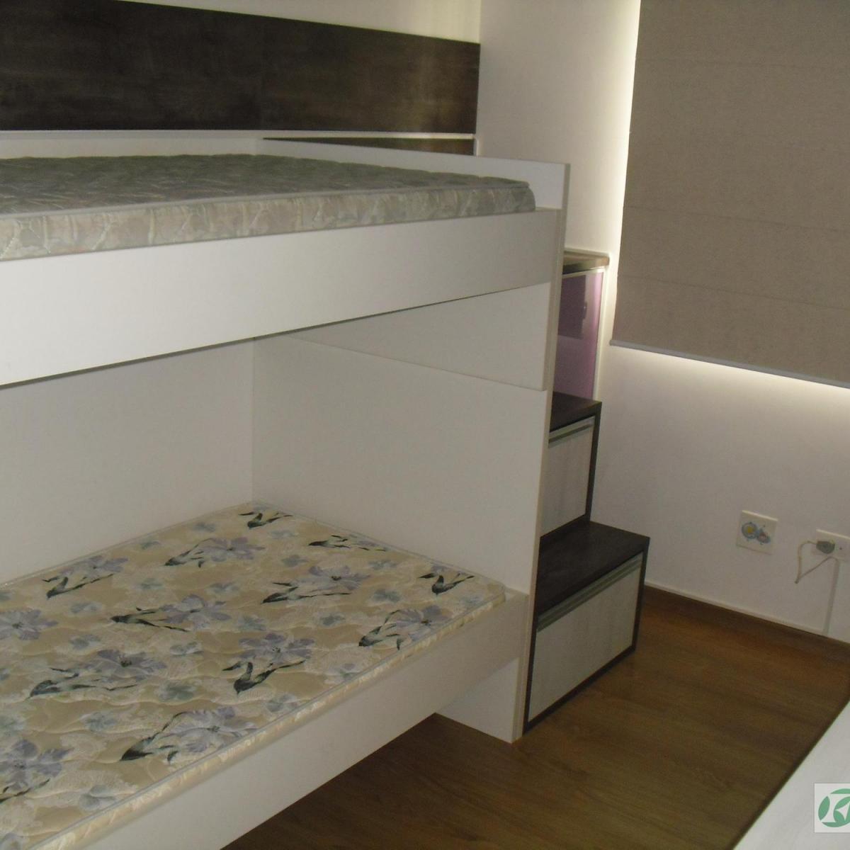 Comprido Curitiba R$ 1.200 6800 m2 ID: 2930503868 Imovelweb #382F1F 1200x1200 Balcão Banheiro Curitiba