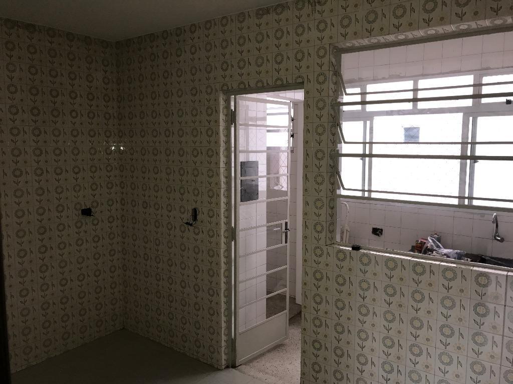 Imagens de #383123 Apartamento para aluguel com 2 Quartos Alto da Glória Curitiba R$  1024x768 px 2810 Box Banheiro Manchado