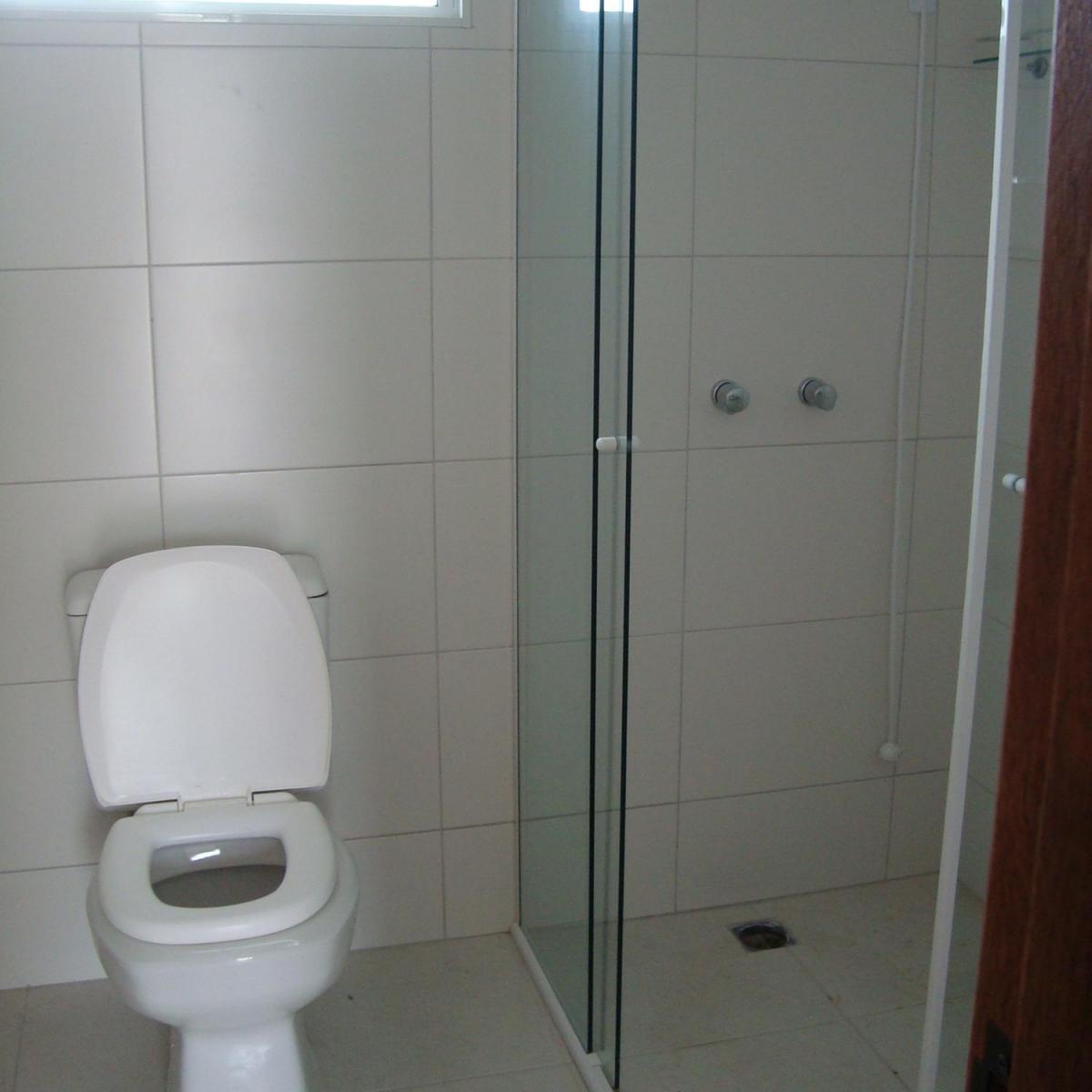 Casa para aluguel com 3 Quartos Santa Felicidade Curitiba R$ 1.600  #382D27 1200x1200 Banheiro Container Aluguel