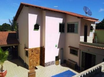 Casa em Araruama com 4 quartos
