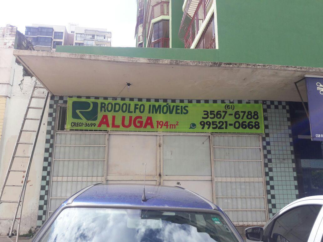 Loja comercial com divisórias para locação em Taguatinga Sul