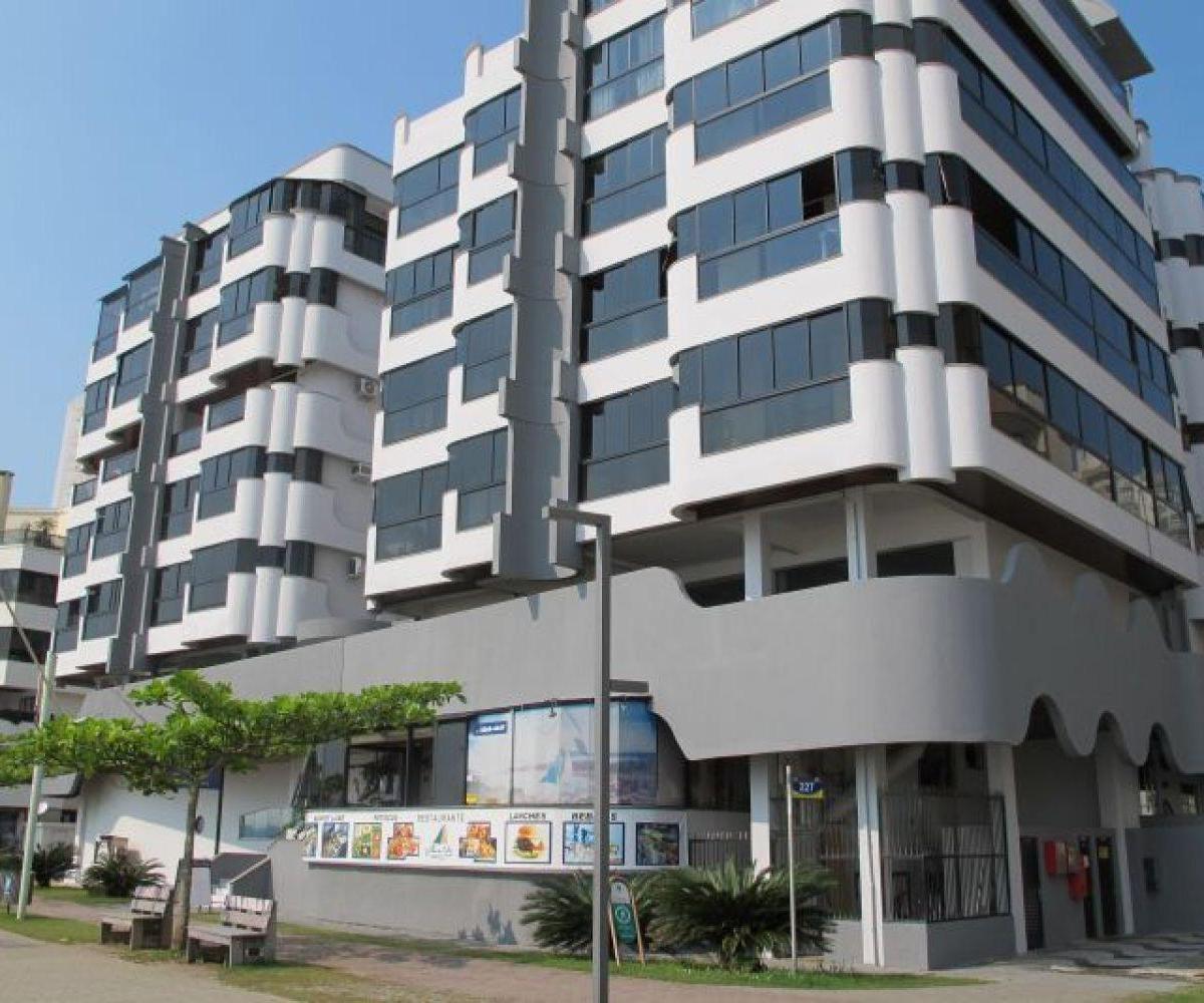 Apartamento 02 Dormitórios  Lateral para o mar