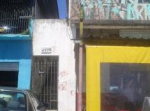 Cidade Ademar - Casa com 02 dorms. - Av. Cupece