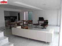 Casa à venda em Mangabeiras