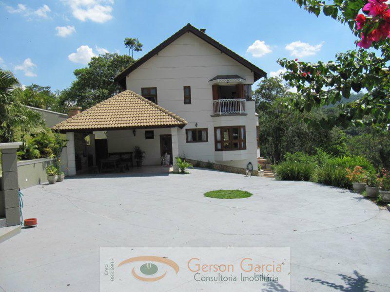 Casa à venda - em Alpes da Cantareira