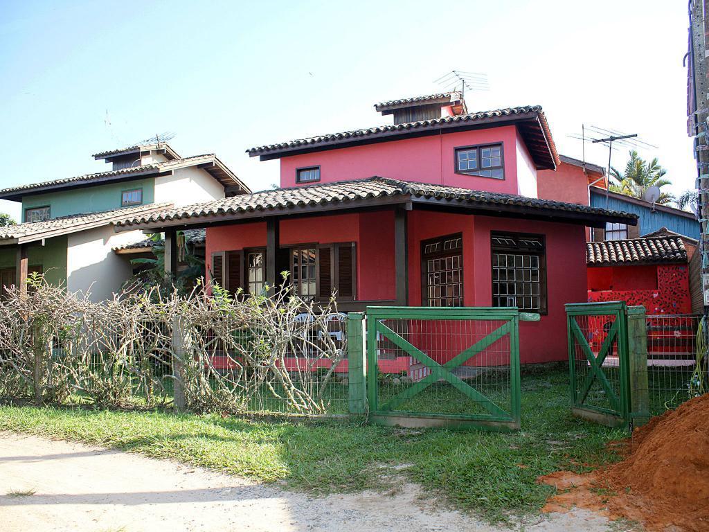 Casa para temporada - na Praia da Ferrugem