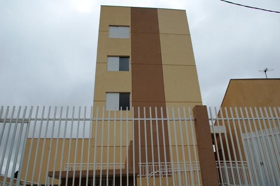 Apartamento com 02 quartos no Santa Cândida