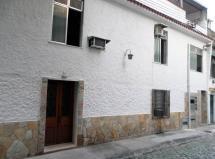 Casa em vila particular c/ 2 moradias independentes Botafogo-RJ