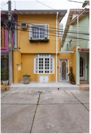 Casa de Vila em Pinheiros - Preço abaixo do Mercado, Quintal, 2 dorm, 3 vgs