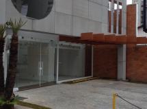 Moema , Vão Livre , Loja 381 m² em ia Coletora , excelente local.