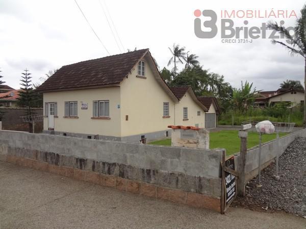 Casa para aluguel com 3 Quartos Saguau Joinville  R 980 842
