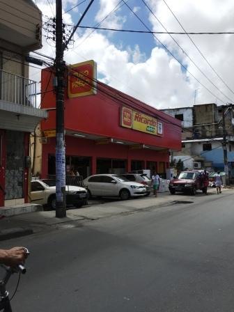 Lojão com 1050m², alugada à grande rede de varejo!! No centro do São Marcos.