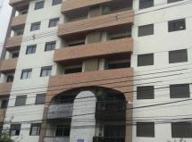 Excelente apartamento no Centro Cívico.