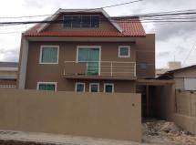 Ótimo sobrado tríplex à venda, bairro Cajuru.