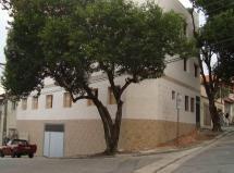Apartamento para locação em prédio de 3 andares