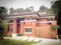 Casa no Condomínio Parco dei Principi