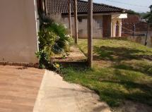 Casa duplex com excelente terreno