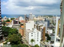 2/4 com dependência reversível com vista mar no Morro do Gato