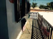 A melhor localização dois quartos varanda frente p lagoa Praia Seca.