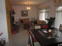 Casa de 200m² - 03 dormitórios - Centro de Pinhais - PR - Valor de R$ 850.000,00