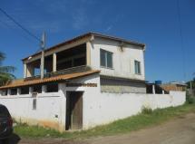 Oportunidade,casa com 2 quartos,terraço e quintal.