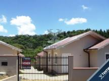 Casa em condomínio, 2 quartos, 1 vaga - Centenário