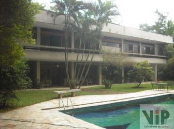 Casa · 1299m² · 5 Quartos · 8 Vagas