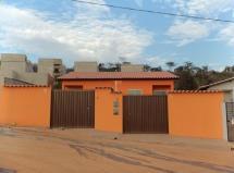 Casa 02 quartos independente 140.000
