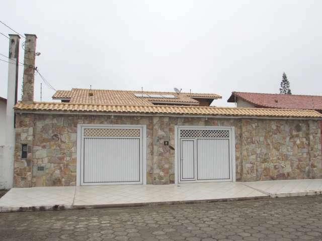Casa em Peruíbe com 3 dormitórios!