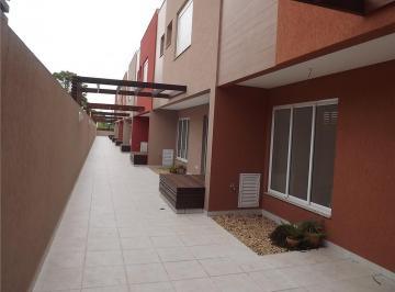 Sobrado em condomínio fechado com 3 quartos c/ suíte,  no Vista Alegre.