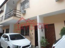 Irajá - Casa de vila duplex - 2 quartos - Vaga de
