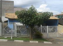 Vendo casa em bairro residencial em Louveira