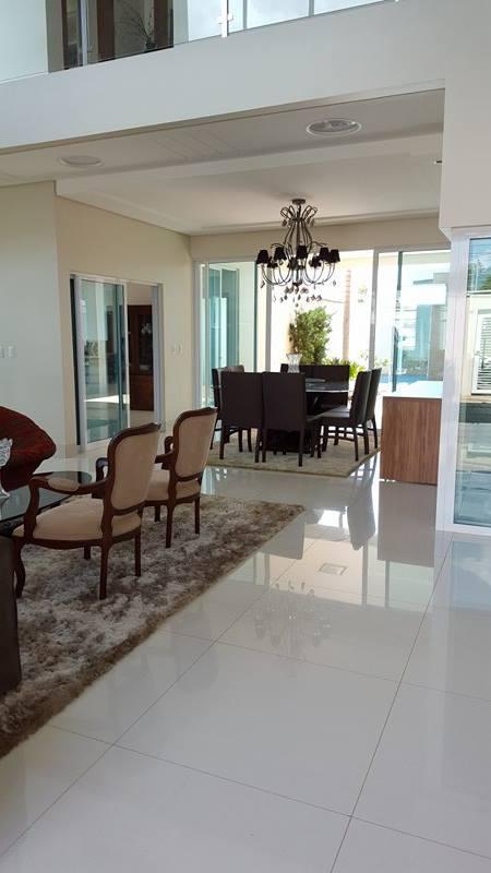Sobrado com 4 Quartos, 455 m² na 303 Sul - Alto Padrão