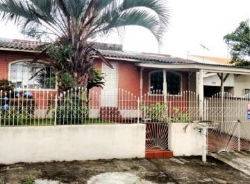 Residência de frente para rua Alto Boqueirão