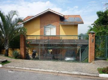 Casa · 450m² · 4 Quartos · 2 Vagas