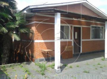 Casa · 300m² · 2 Quartos · 2 Vagas