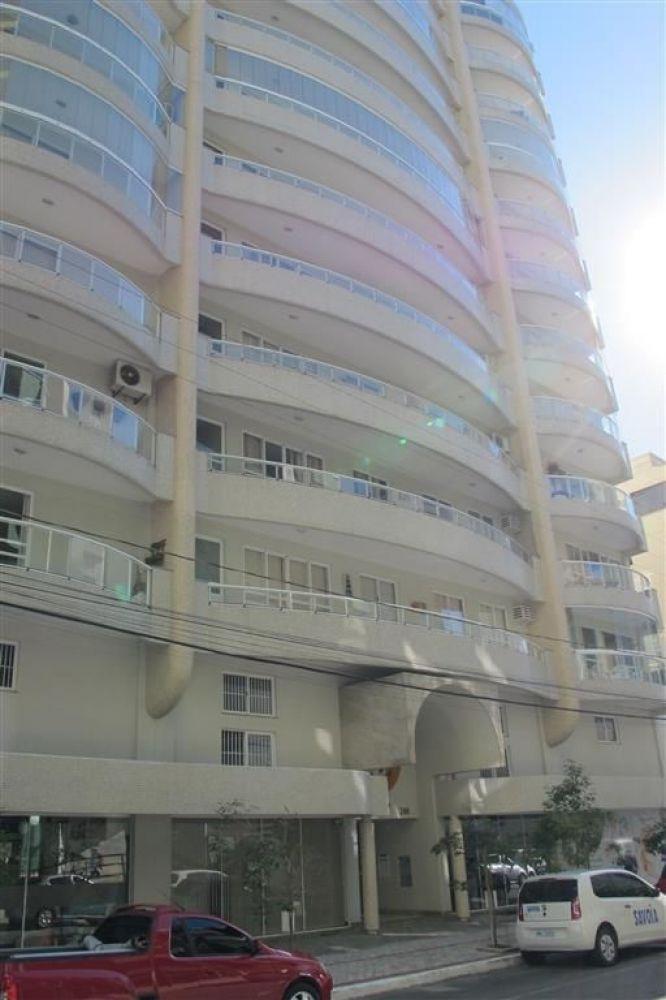 Apartamento 1 suíte e mais 2 dormitórios, 1 vaga, Meia Praia