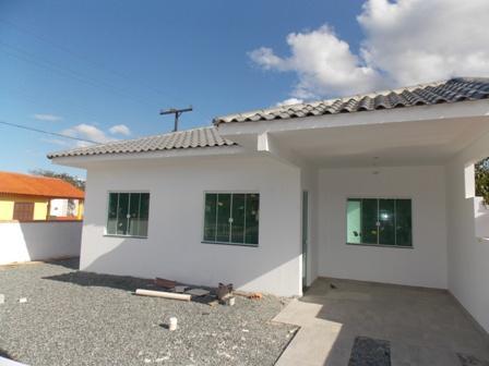 Casa nova com 03 quartos em Itapoá SC