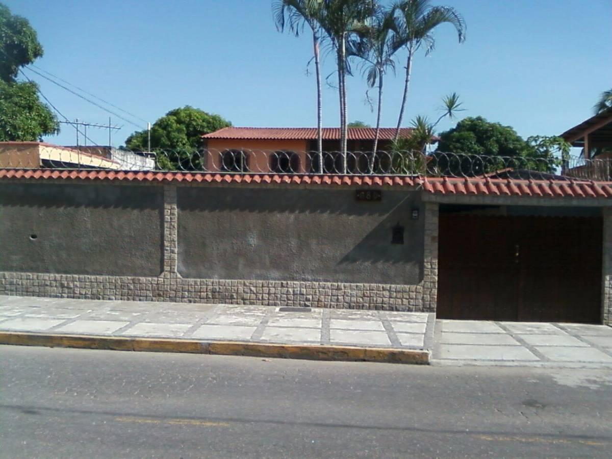 Casa Duplex, 04 quartos - Jardim Primavera - Duque de Caxias/RJ