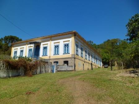 Fazenda 25 alqueres, casarão colonial sede ,com 07 quartos..