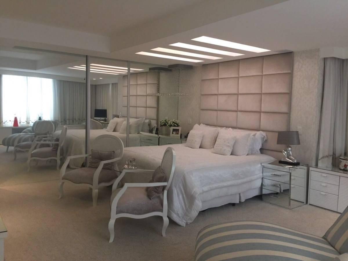 Excelente Casa de luxo NOVA no Condomínio Rio Mar - Barra da Tijuca.