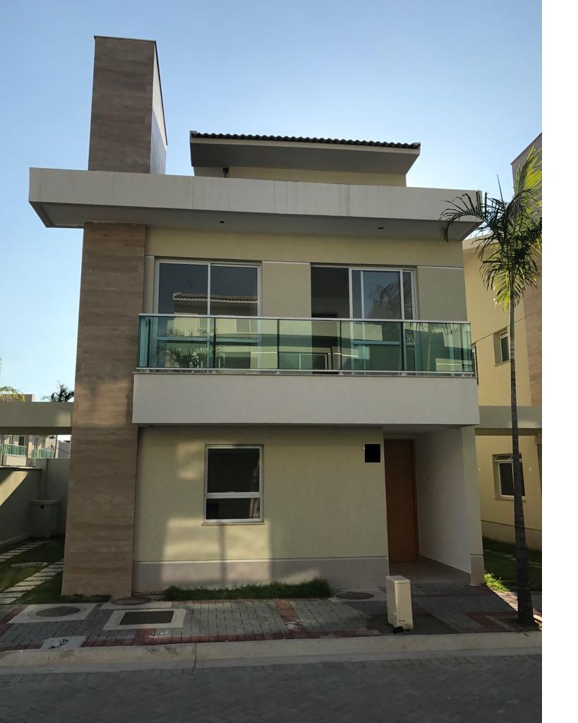 Maravilhosa casa com 4 quartos, Hall suítes+ escritório, piscina privada