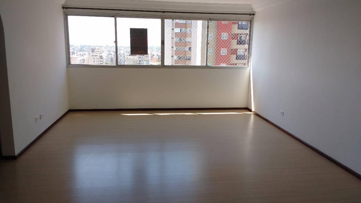 Amplo apartamento com 03 dormitórios e garagem no bairro ALTO DA GLORIA/CABRAL
