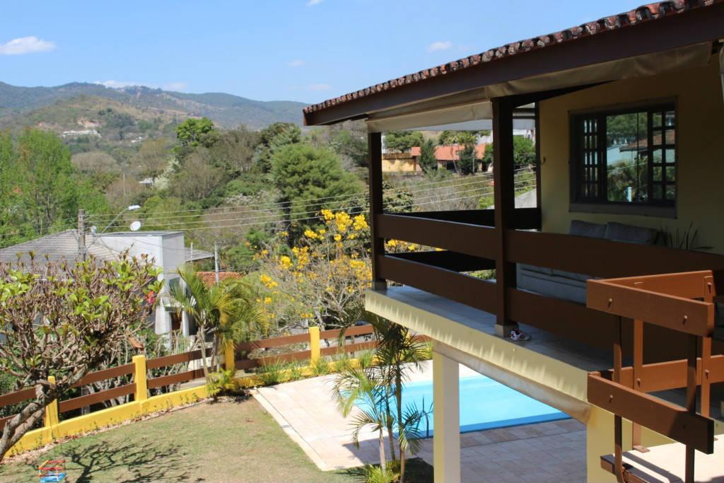 Casa cond. fechado 5 quartos 3 suites piscina churrasqueira