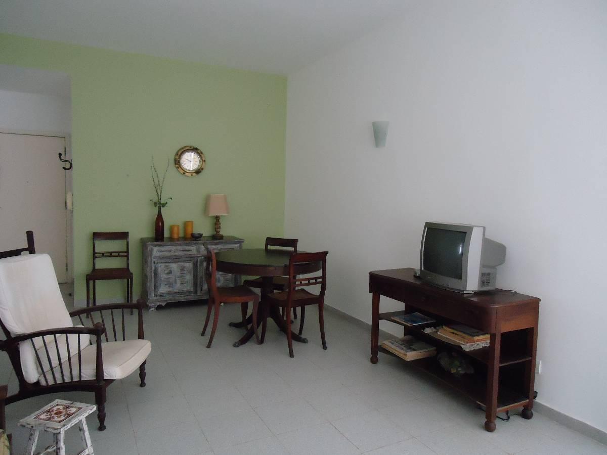 Apartamento mobiliado 3 dorm, 2 suites, frente Praia das Pitangueiras, Guarujá