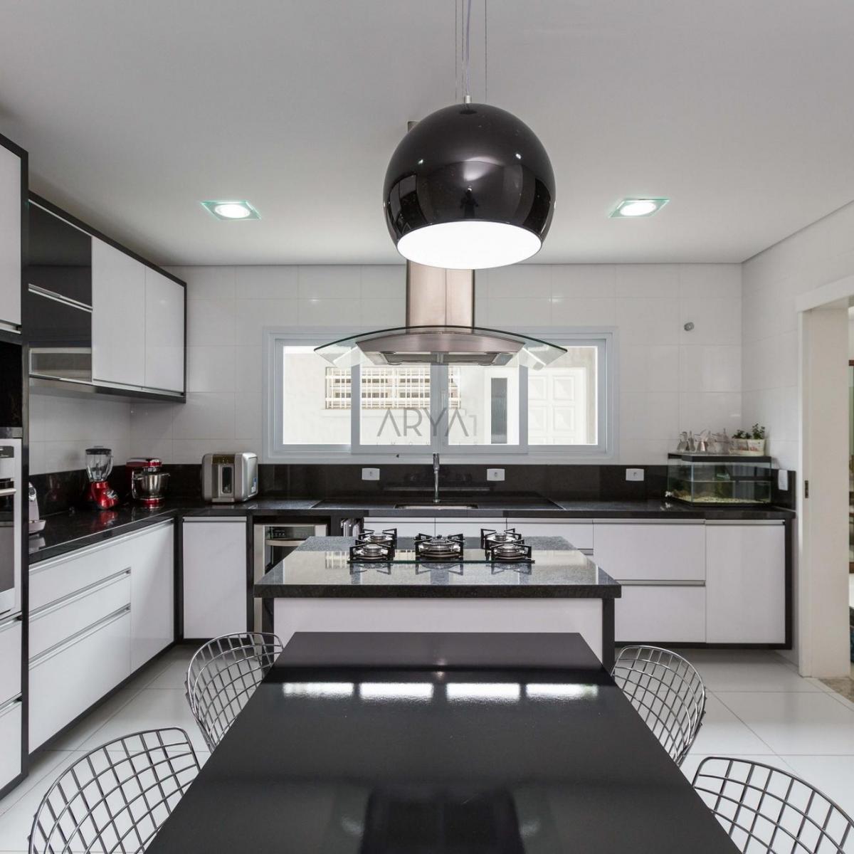 http://www.infocenterhost2.com.br/crm/fotosimovel/188739/026_cozinha_casa_4_suites_taruma.jpg