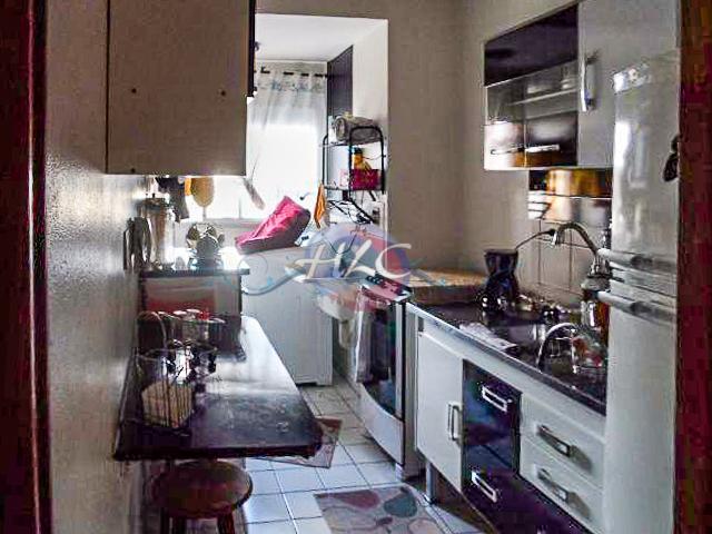 Lindo Apartamento no Resid. 9 de Julho 2 Dorms e Cozinha com Armários