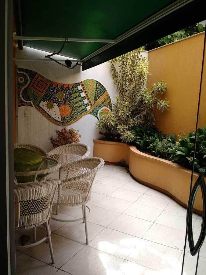 Ipanema (Av. Vieira Souto) - 02 quartos (01 suíte master), 170m²