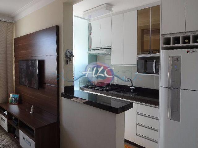 Lindo Apartamento no Cond. Reserva do Japi 2 Dorms e Cozinha Americana