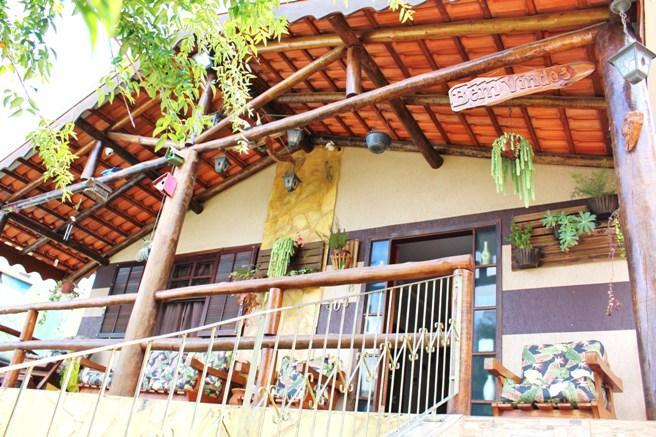 Casa colonial com 4 quartos no Xaxim